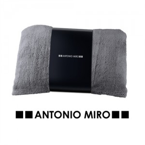 MANTA KIRA -ANTONIO MIRO-